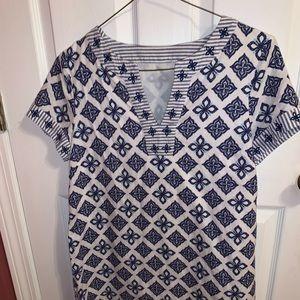 Vineyard Vines dress with a blue pattern!